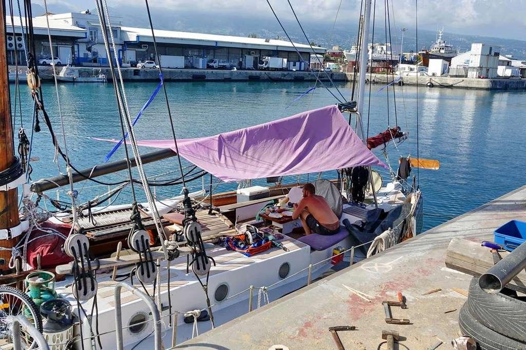 [Vie des ports] Les ports de la Réunion - Page 12 Le_po516