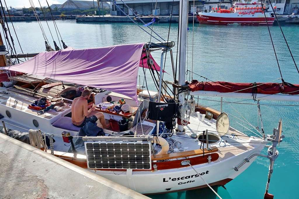 [Vie des ports] Les ports de la Réunion - Page 12 Le_po520