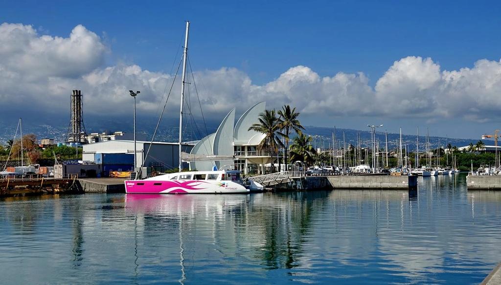 [Vie des ports] Les ports de la Réunion - Page 12 Le_po536