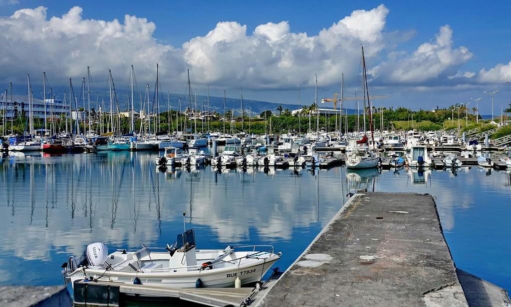 [Vie des ports] Les ports de la Réunion - Page 12 Le_po546