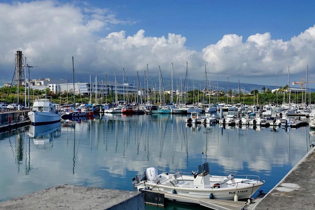 [Vie des ports] Les ports de la Réunion - Page 12 Le_po548