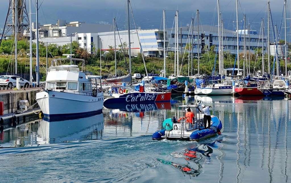 [Vie des ports] Les ports de la Réunion - Page 12 Le_po551