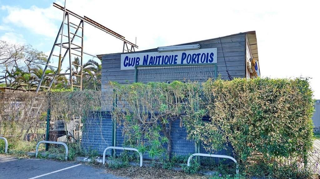 [Vie des ports] Les ports de la Réunion - Page 12 Le_po557