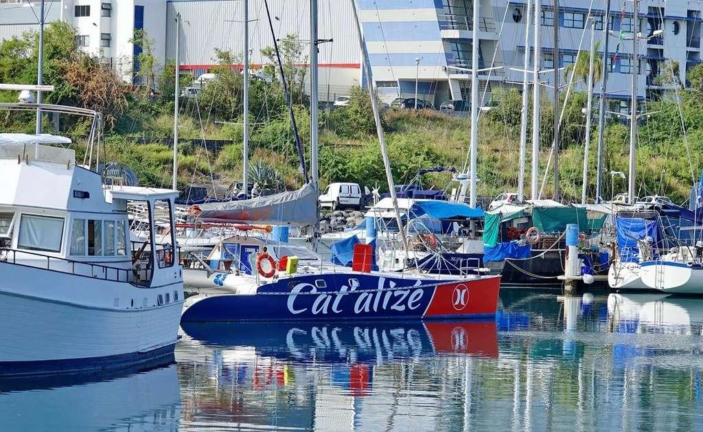 [Vie des ports] Les ports de la Réunion - Page 12 Le_po562