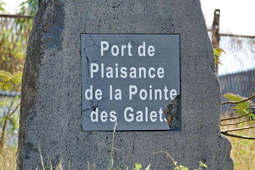 [Vie des ports] Les ports de la Réunion - Page 12 Le_po565