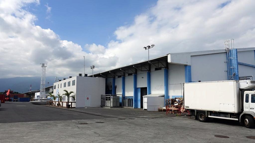 [Vie des ports] Les ports de la Réunion - Page 12 Le_po608