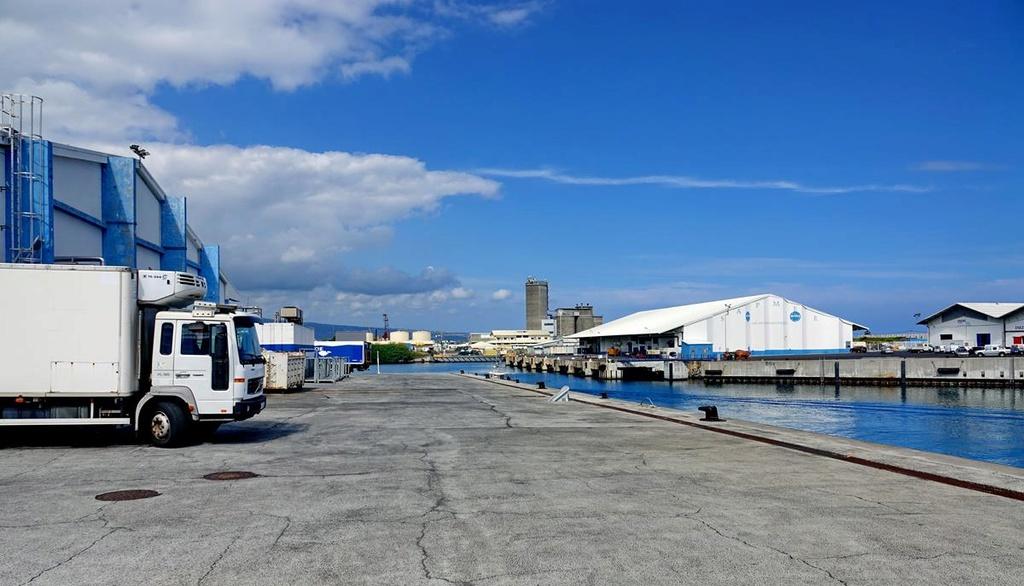 [Vie des ports] Les ports de la Réunion - Page 12 Le_po609