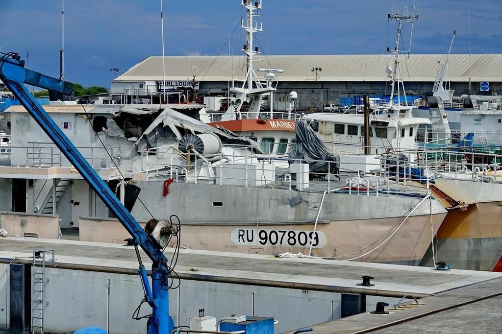 [Vie des ports] Les ports de la Réunion - Page 12 Le_po618