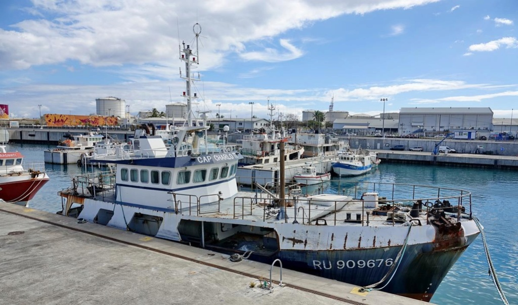 [Vie des ports] Les ports de la Réunion - Page 12 Le_po621