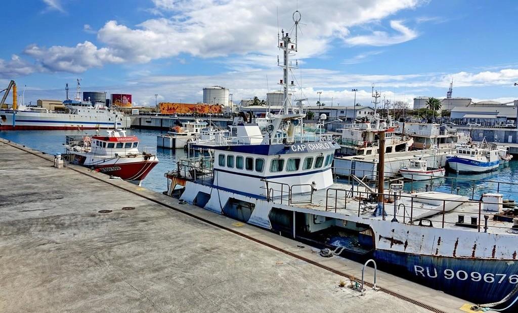 [Vie des ports] Les ports de la Réunion - Page 12 Le_po628