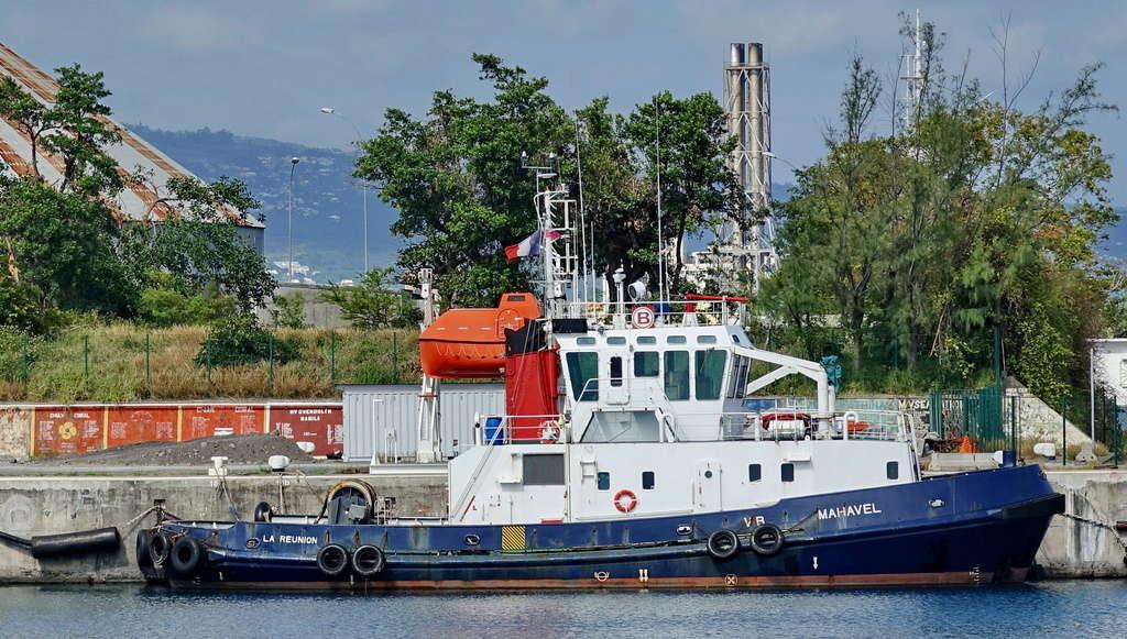 [Vie des ports] Les ports de la Réunion - Page 12 Le_po695