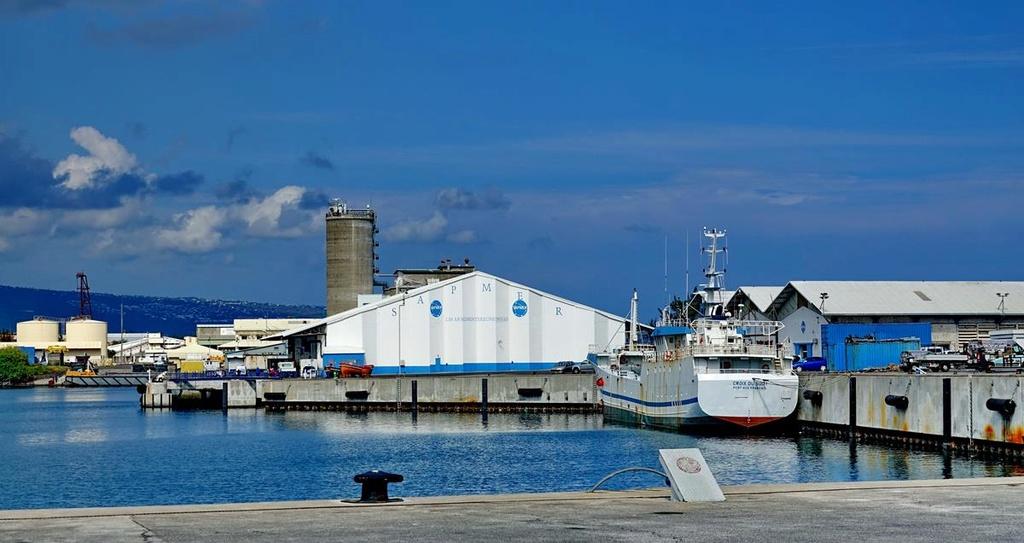 [Vie des ports] Les ports de la Réunion - Page 12 Le_po706