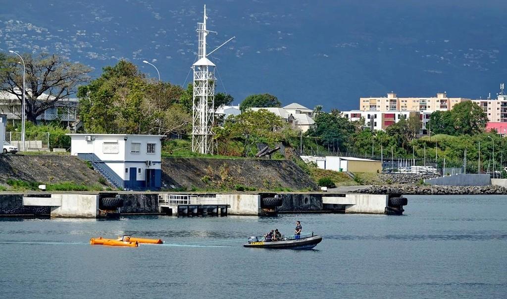 [Vie des ports] Les ports de la Réunion - Page 12 Le_po707