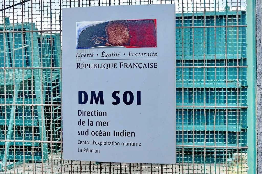 [Vie des ports] Les ports de la Réunion - Page 12 Le_po728