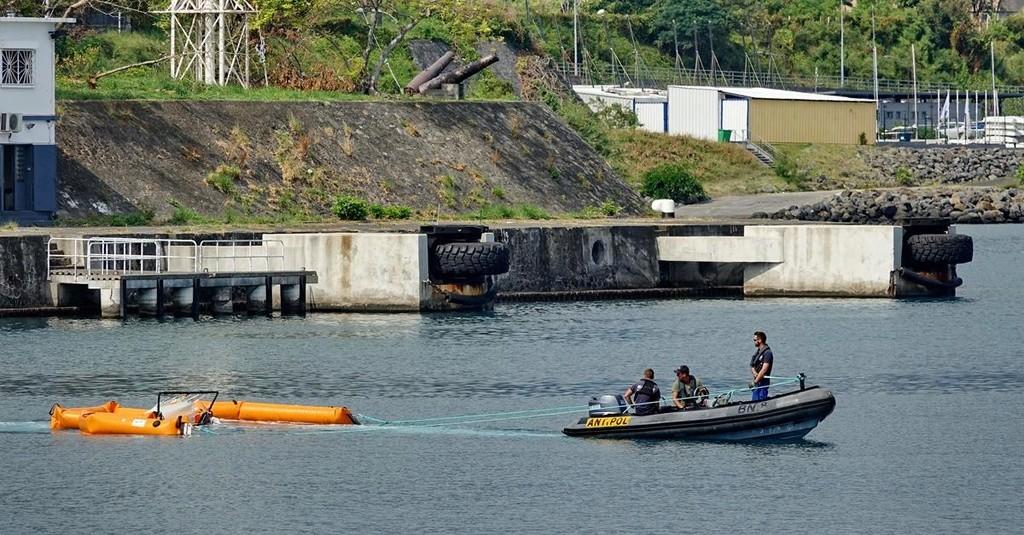 [Vie des ports] Les ports de la Réunion - Page 12 Le_po732