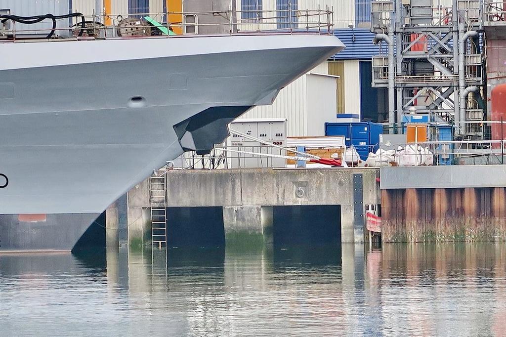 [Les ports militaires de métropole] Port de LORIENT - Page 4 Lorien19