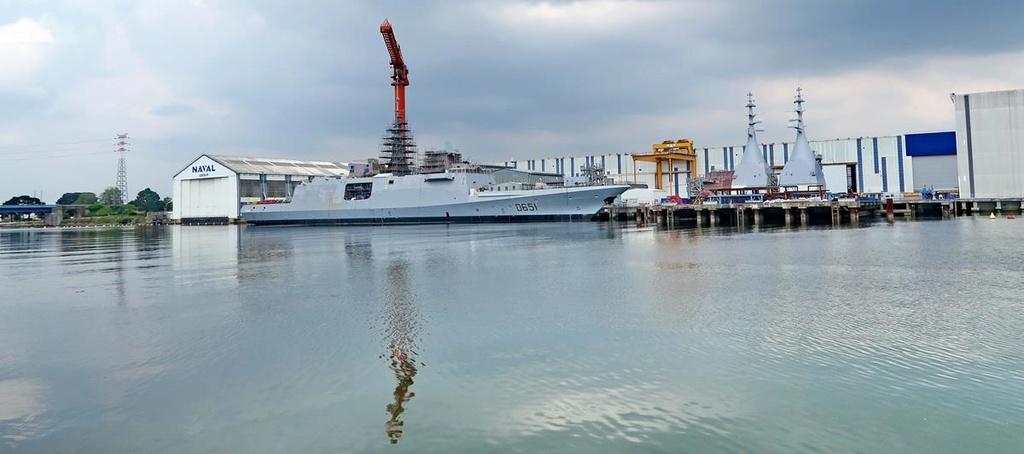 [Les ports militaires de métropole] Port de LORIENT - Page 4 Lorien22
