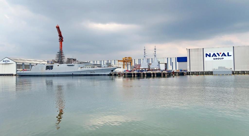 [Les ports militaires de métropole] Port de LORIENT - Page 4 Lorien23