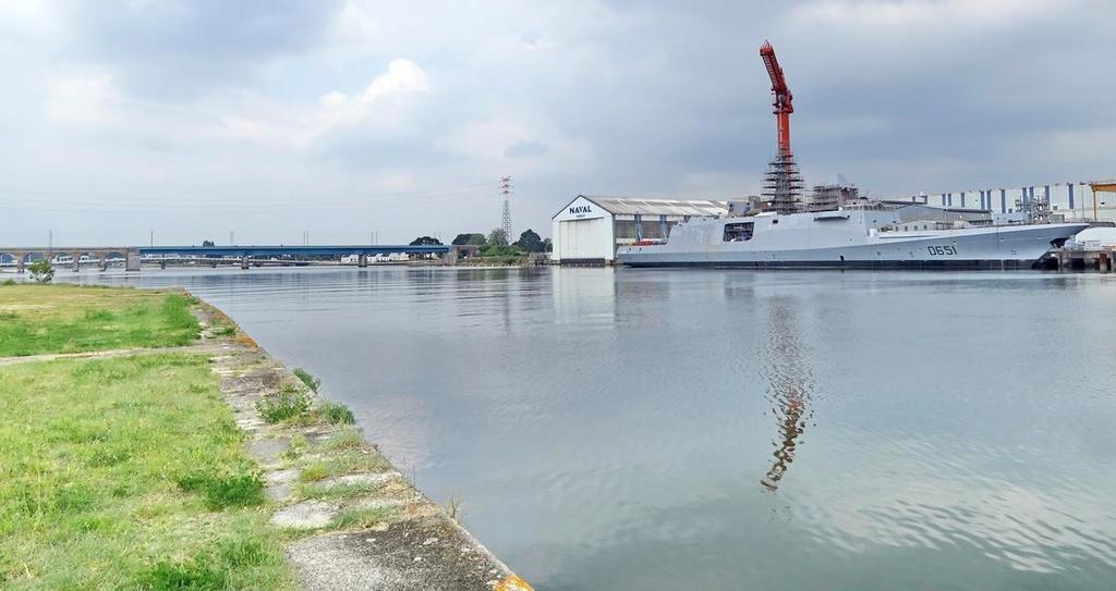 [Les ports militaires de métropole] Port de LORIENT - Page 4 Lorien31