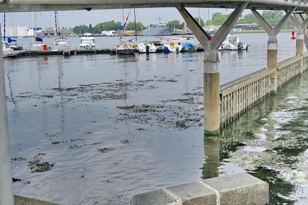 [Les ports militaires de métropole] Port de LORIENT - Page 4 Lorien61
