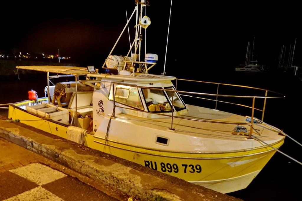 [VIE DES PORTS] Quelques bateaux de pêche (sur nos côtes Françaises) - Page 39 Retour85