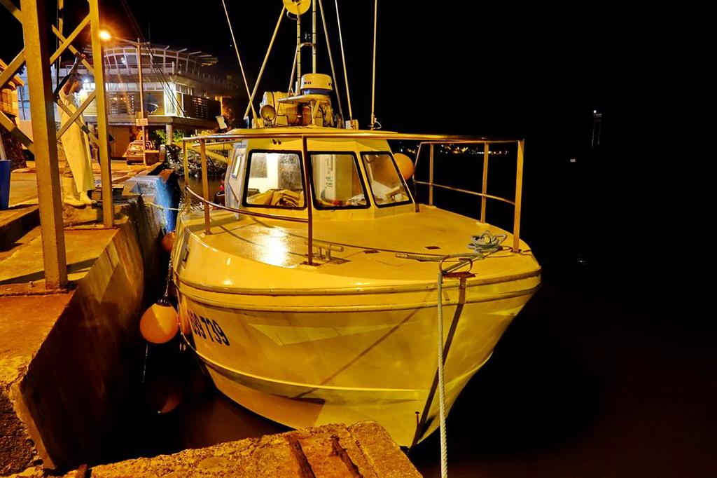 [VIE DES PORTS] Quelques bateaux de pêche (sur nos côtes Françaises) - Page 39 Retour86