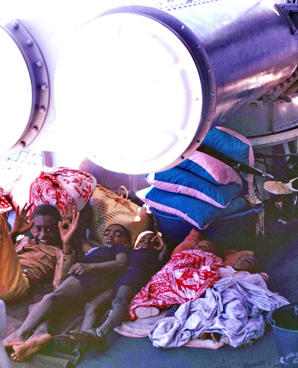 [ Blog visiteurs ] Petit fils d'un ancien militaire ex rapatrié de Diego Suarez Madagascar en 1973 LCT 9062 Transp32