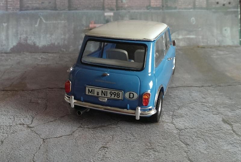 Mini Cooper 998 Mk.I von Revell 1:24 Imag3429