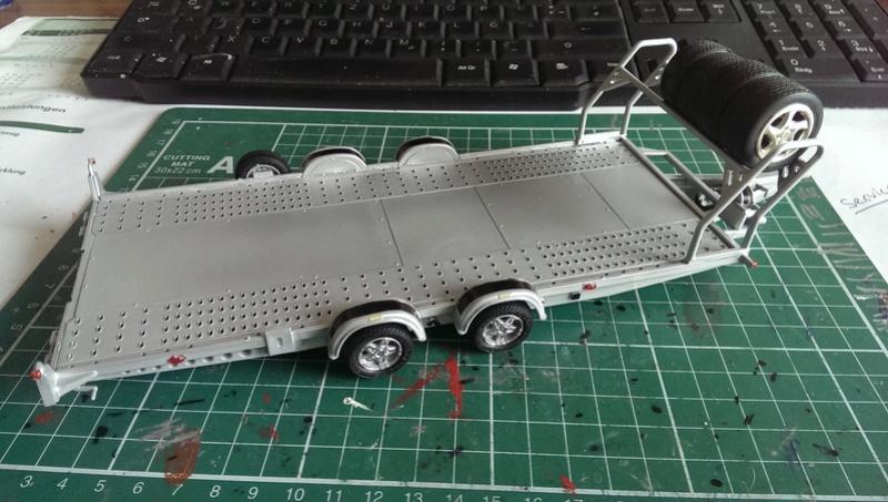 Brian James Trailer A4 Transporter Aoshima 1:24 Imag3616