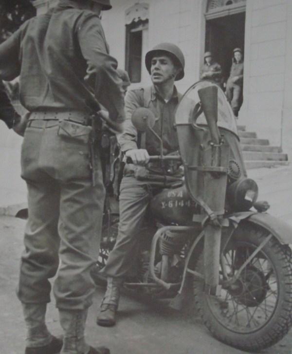 US Motorcycle Miniart 1/35 (abandon) Col-da10