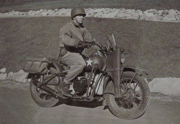 US Motorcycle Miniart 1/35 (abandon) Dsc01310