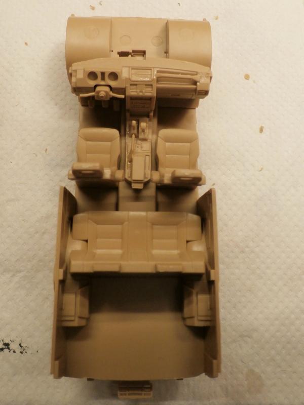 SUV 1/35 Takom Quelque part en 2095 - épisode 2 dio FINI P4070033