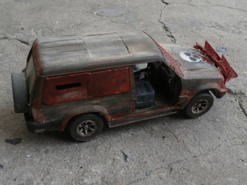 SUV 1/35 Takom Quelque part en 2095 - épisode 2 dio FINI P4120012