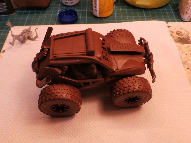 Post apocalyptic meeting (4X4 scratch 1/35) dio FINI P5190012