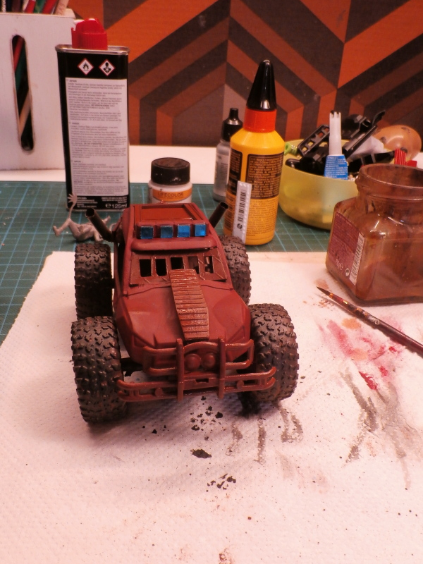 Post apocalyptic meeting (4X4 scratch 1/35) dio FINI P5200010