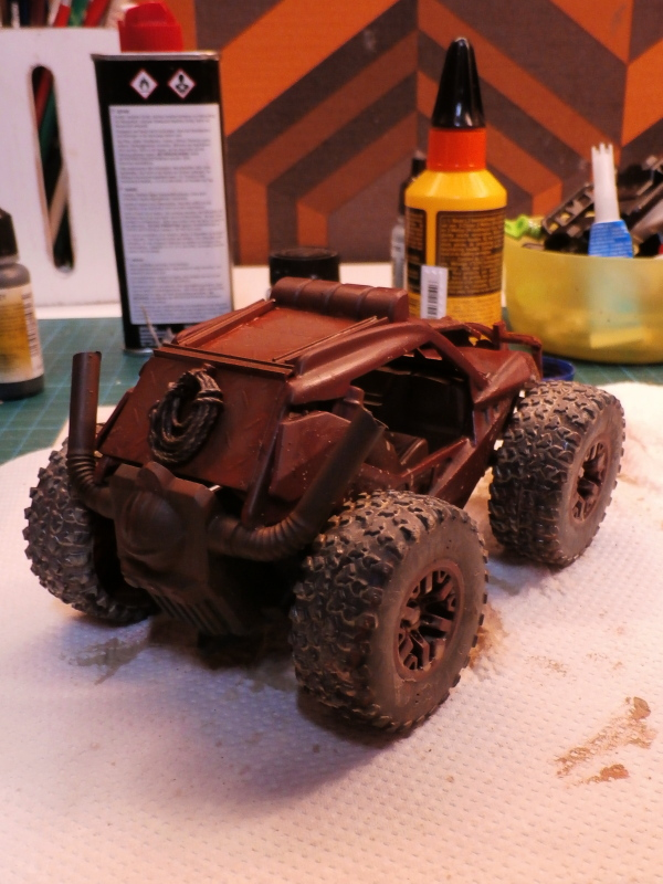 Post apocalyptic meeting (4X4 scratch 1/35) dio FINI P5200011