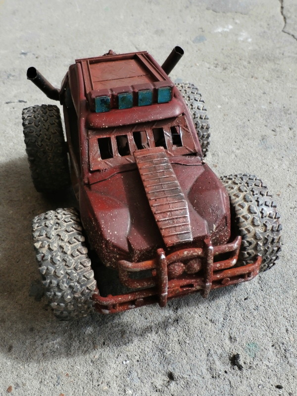 Post apocalyptic meeting (4X4 scratch 1/35) dio FINI P5210012