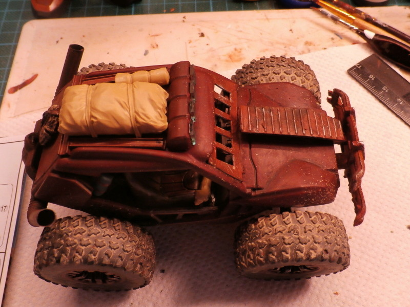 Post apocalyptic meeting (4X4 scratch 1/35) dio FINI P5220010