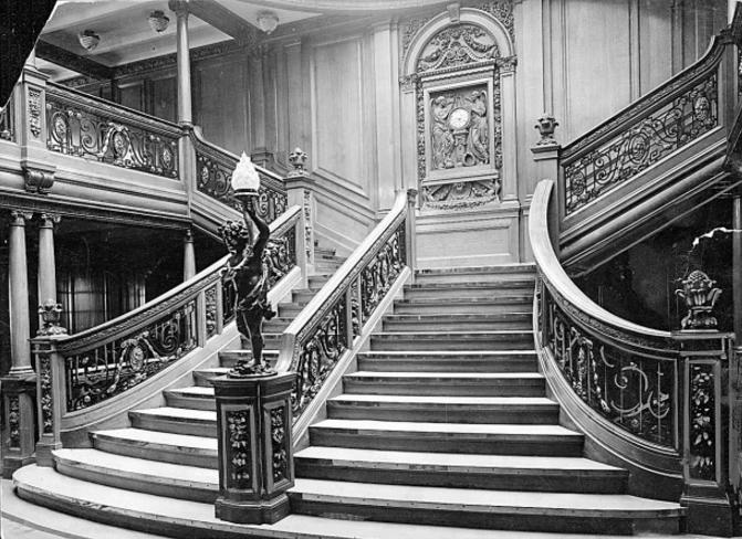L'horloge du Grand escalier = palais des Tuileries ?  - Page 2 Grand_12