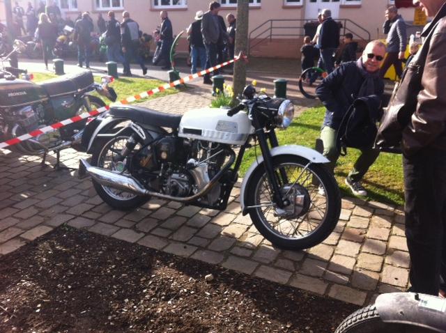 bourse auto moto cyclo tracteur ...de Courtenay Image211