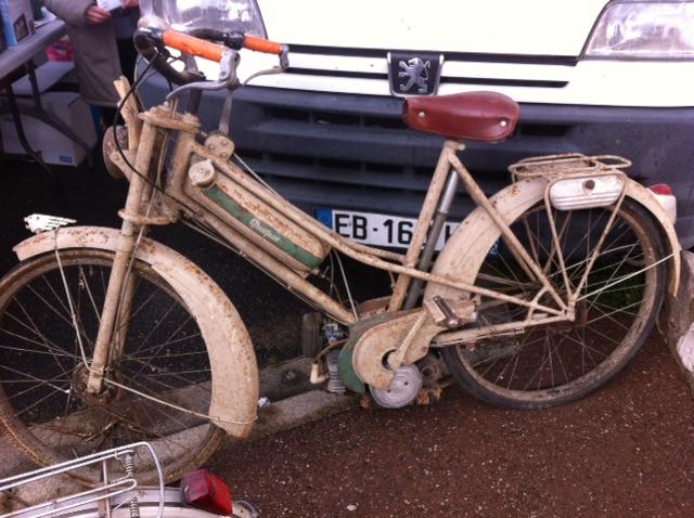 bourse auto moto cyclo tracteur ...de Courtenay Image511