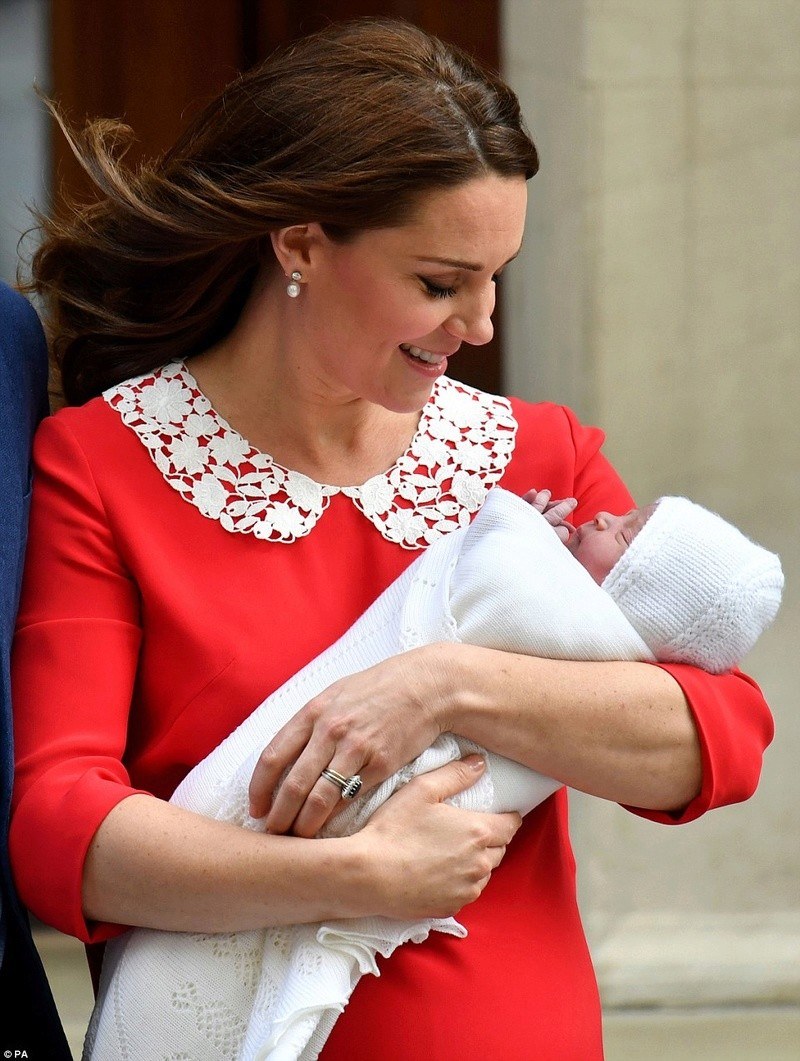 PRINCE WILLIAM  & CATHERINE  MIDDLETON - Page 2 4b778d11