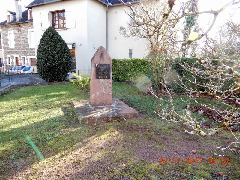 [ Histoires et histoire ] Monuments aux morts originaux Français Tome 2 - Page 4 Renard12