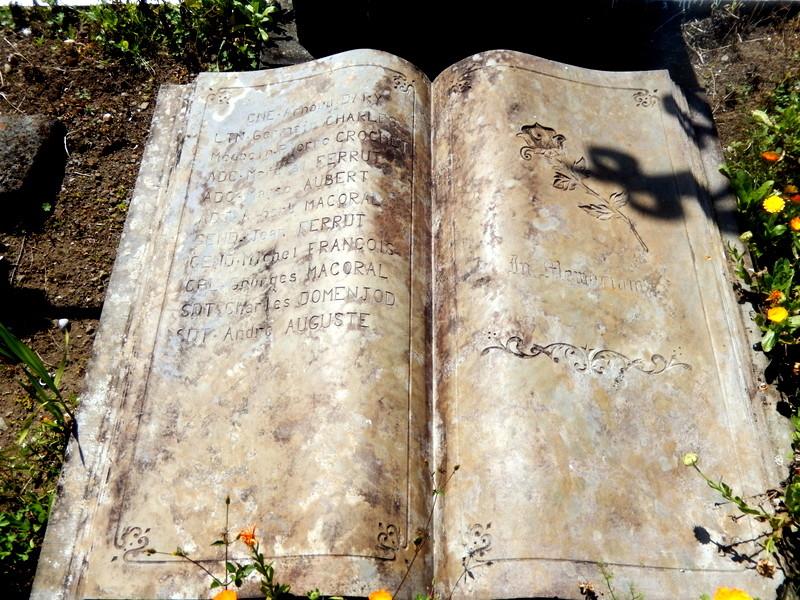 [ Histoires et histoire ] Monuments aux morts originaux Français Tome 2 - Page 4 Ryunio63
