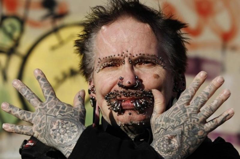 Cet homme a 278 piercings sur le pénis Inline10