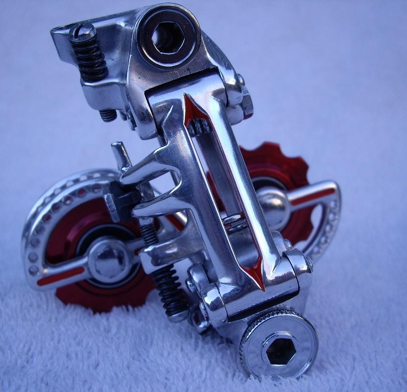 9 vitesses indexées avec dérailleur friction, Cannondale Synapse et Huret Jubilée inside F3c16710