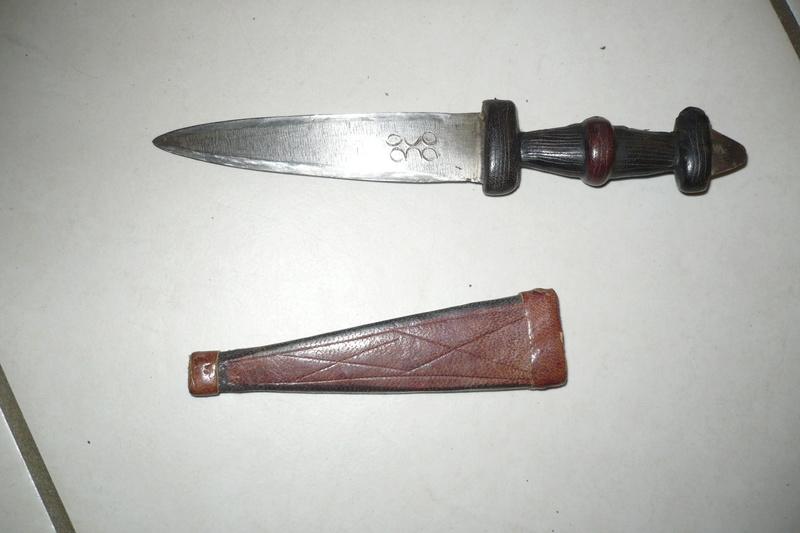 Les couteaux en Général . - Page 5 P1010714