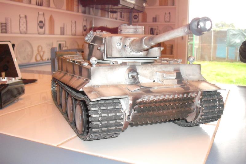 chars tigre 1 au 1/16 Dscf7919