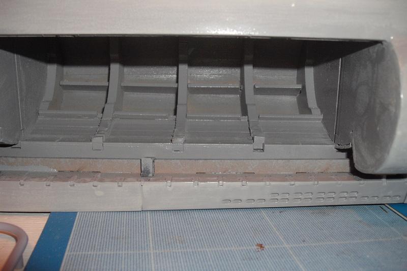 mastiquage de la coque du U 96 Dscf8111