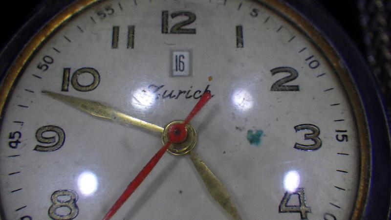 Il y a du valable ...(horloge titus) Rimg0313
